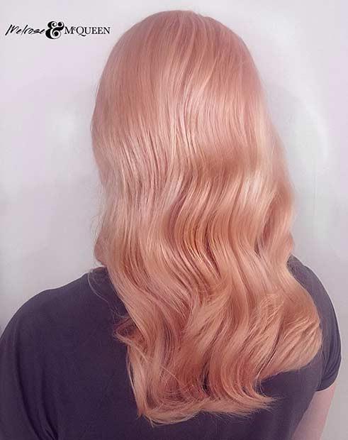 Волосы цвета розового золота