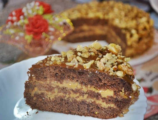 Сладкий пирог со сгущенкой