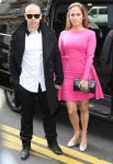 Каспер Смарт и Дженнифер Лопес на показе коллекции весна-лето 2013 от Valentino на Парижской неделе моды
