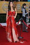 Мила Кунис в платье Alexander McQueen
