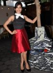 Фрида Пинто в Лос Анджелесе, 17.07.2012