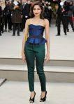 Фрида Пинто на модном показе Burberry Prorsum Fall 2013, 18.02.2013