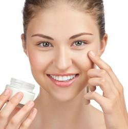 Как увлажнять кожу лица
