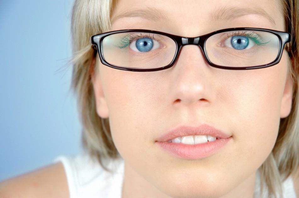 Современные очки: оптика и перфорационные