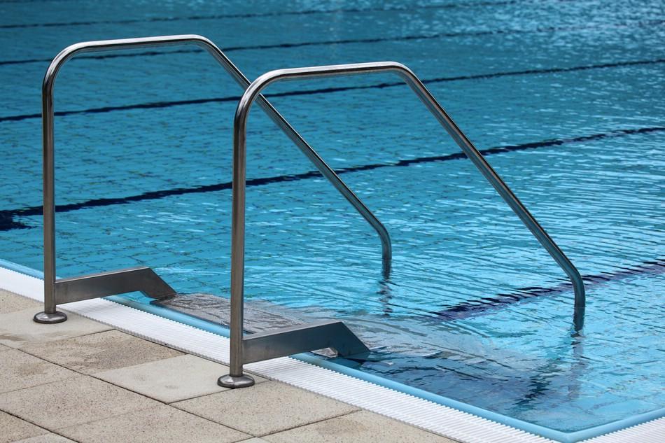 Как хлорированная вода в бассейне влияет на здоровье
