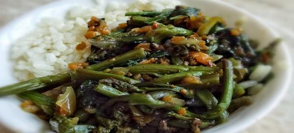 Салат из свежего папоротника