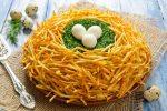 Салаты с жареной картошкой. Рецепты вкусных салатов с жареным картофелем соломкой
